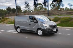 Renault Review 2015 Renault Trafic Review Caradvice
