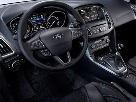 interni ford focus ford focus sw foto panoramauto