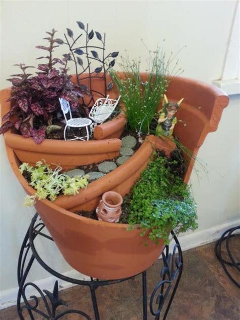 Broken Pot Garden by 35 Garden Ideas In A Pot