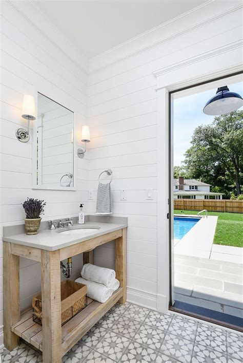 pool houses with bathrooms 25 best ideas about pool house bathroom on pinterest