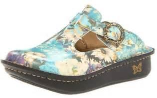 most popular shoes for nurses alegria clog comfortable