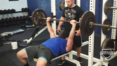 bench press right way best way to bench press more reps how do i bench press