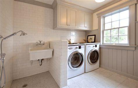 mud room laundry room kid hosing  room