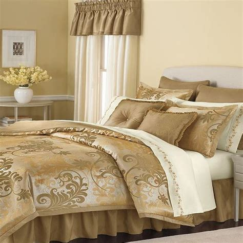 martha stewart bed in a bag martha stewart florentine swirl king 24 piece comforter