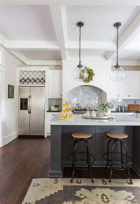 benjamin moore athena  flat soothing kitchen paint color benjamin moore athena craftsman