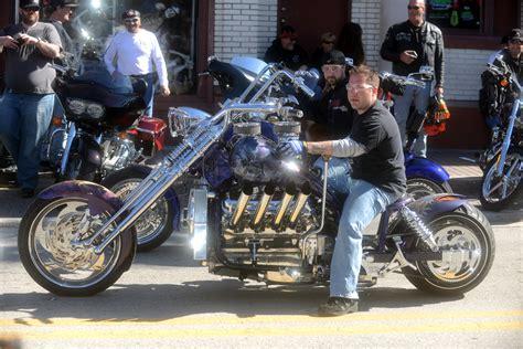 Bosshoss Daytona Bike Week 2014 by Harleys And Girls Pics From Bike Week At Daytona Beach