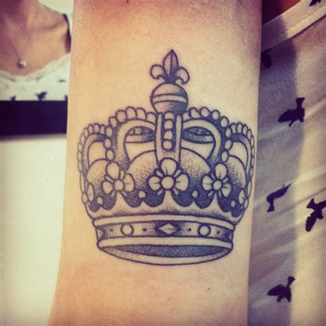 name with crown tattoo crown 1 t a t t o o search in