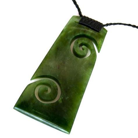 raukaraka greenstone toki koru pendant by ngai tahu