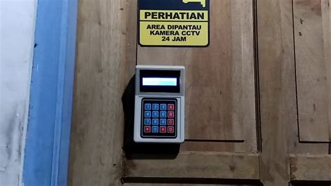 Alat Rfid alat pengunci pintu otomatis menggunakan rfid dan pin