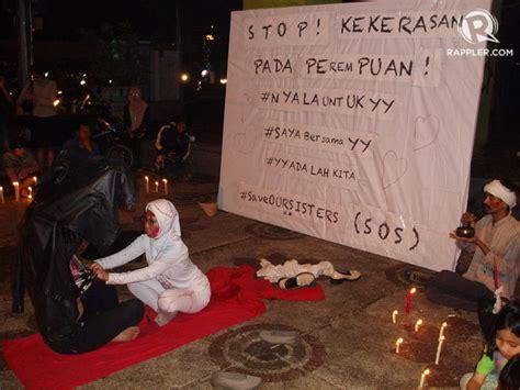 Kekerasan Terhadap Perempuan Penerbit Refika Bandung warga bandung tiup peluit tanda darurat kekerasan seksual terhadap perempuan
