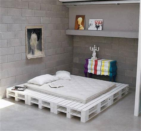 diy chic white platform pallet bed  pallets