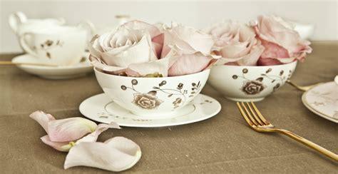 servizi da tavola moderni dalani piatti vintage per una tavola elegante dal gusto