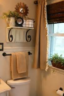 How To Decorate A Small House With No Money 25 Best Ideas About Small Bathroom Decorating On