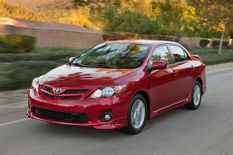 motor cars toyota 2013 toyota corolla reviews and rating motor trend