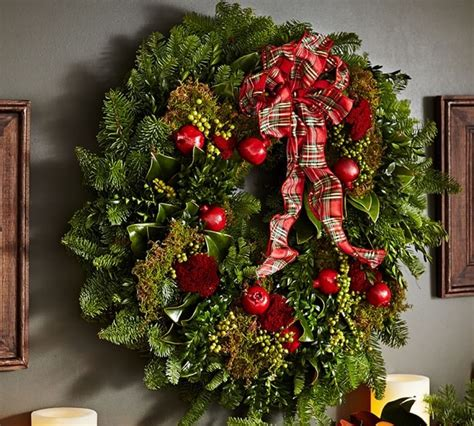 Decorating Ideas For Wreaths Pottery Barn Decorating Ideas For A Chic And Cozy