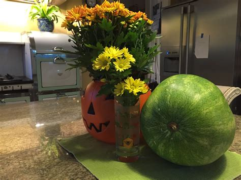 quick decor pump kin up the volume quick halloween home decor tip