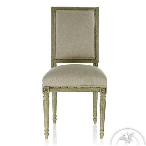 tapisser une chaise tapisser une chaise en tissu il faut sauver les chaises
