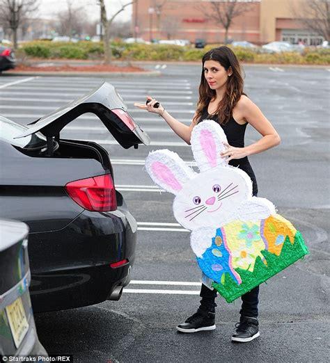 jamie lynn sigler buys giant bunny pi 241 ata prepares son easter daily mail