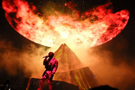 Kanye West Concert Square Garden by Kanye West Yeezus Tour At Square Garden Nyc 2013