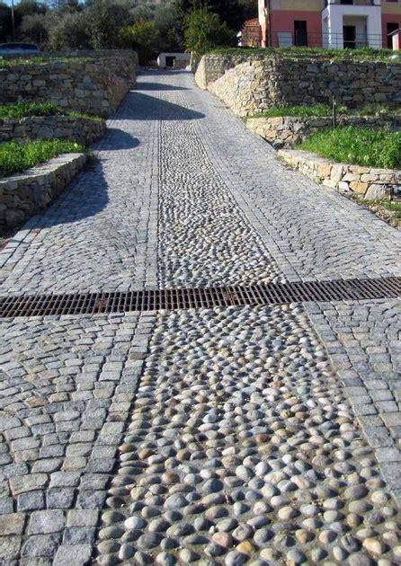 pavimenti per giardino in pietra pavimento per esterni in pietra naturale pietra di luserna