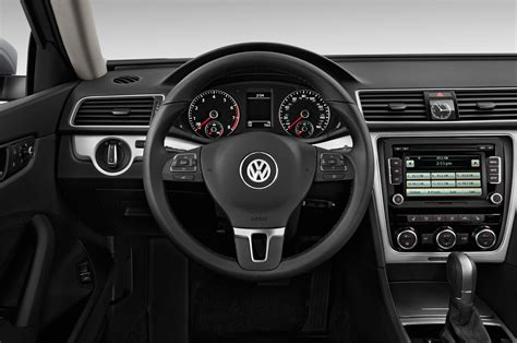 volkswagen passat 2014 interior volkswagen passat bluemotion concept to debut at 2014