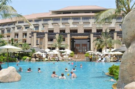 sofitel dubai the palm resort spa 1 bedroom apartments the main pool picture of sofitel dubai the palm luxury