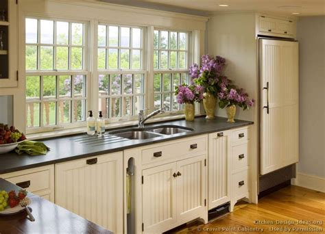 Country Kitchen With White Cabinets Pictures Of Country Kitchen Cabinets Afreakatheart