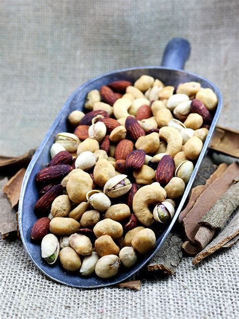 Roasted Mixed Nuts 500 Gr oven roasted salted mixed nuts 500g cashews almonds pistachios kri kri ebay