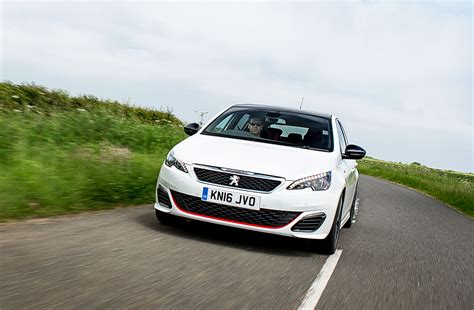 car peugeot 308 peugeot 308 gti 2017 term test review by car magazine