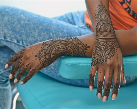 henna design inspiration 1000 images about henna inspiration top of hand on