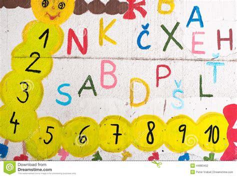 Buchstaben An Der Wand by Lustige Buchstaben Und Zahlen Auf Der Wand Stockfoto