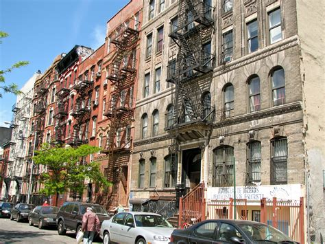 houses in new york file new york city houses with fire escapes jpg wikimedia commons