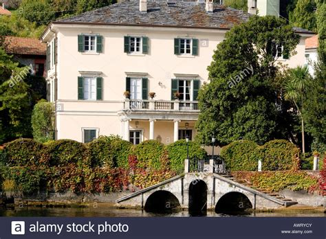 george clooney home in italy george clooney s villa lake como italy stock photo