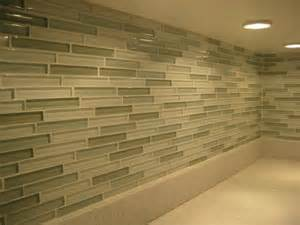 glass tile backsplash pictures 1000 images about kitchen backsplash on