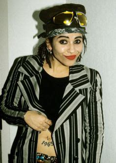 linda perry everyone has someone linda perry quot i would encourage everybody to be as quirky