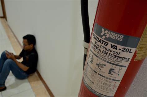 Satuan Alat Pemadam Kebakaran damkar anjurkan tiap gedung di agam miliki alat pemadam kebakaran kabarsumbar