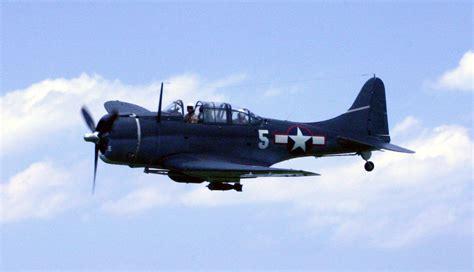 dive bomber file dauntless dive bomber jpg wikimedia commons