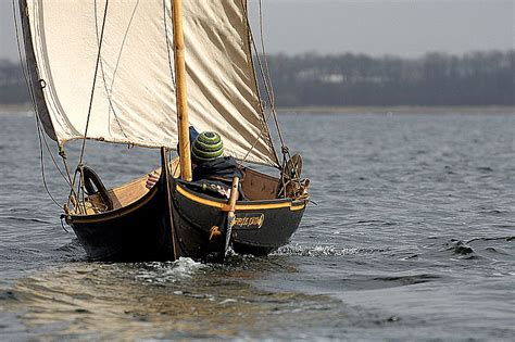 viking small boats gokstad faering design study sailing pinterest