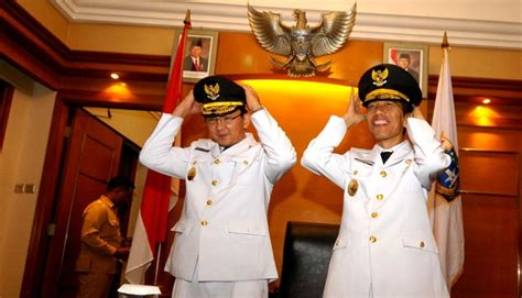 bio data ahok gubernur dki jakarta diminta copot jabatan ahok tantang gerindra nasional