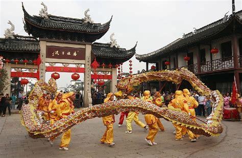 cultura de letonia la enciclopedia enciclopedia de la cultura china danza drag 243 n y danza le 243 n 舞龙舞狮 spanish china org cn 中国