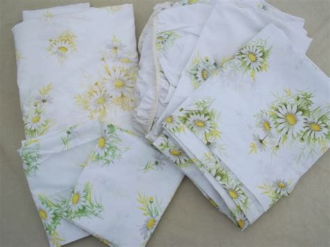 Vintage Bed Sheets by 60s 70s Vintage Bed Sheets Retro Flowers Stripes Print