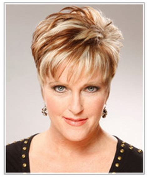 neckline photo of women wth shrt hair womens tapered neckline short hairstyle 2013