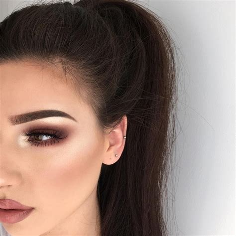 Eyeshadow For Graduation by 17 Best Ideas About Graduation Makeup On Make