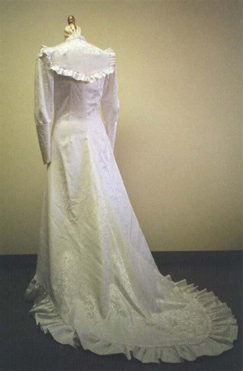 Hawaiian Holoku Wedding Dresses   Amore Wedding Dresses