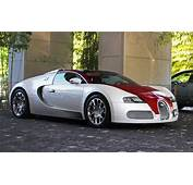 Bugatti Veyron Red And White Wallpaper