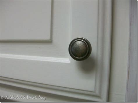 Change Your Cabinet Hardware From Pulls To Handles Door Knobs For Kitchen Cabinets