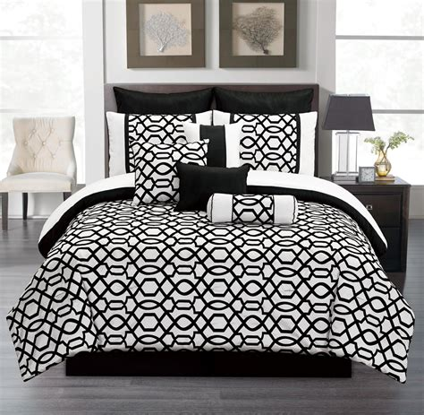 black and white bedroom set black and white comforter sets king pictures to pin on pinterest pinsdaddy
