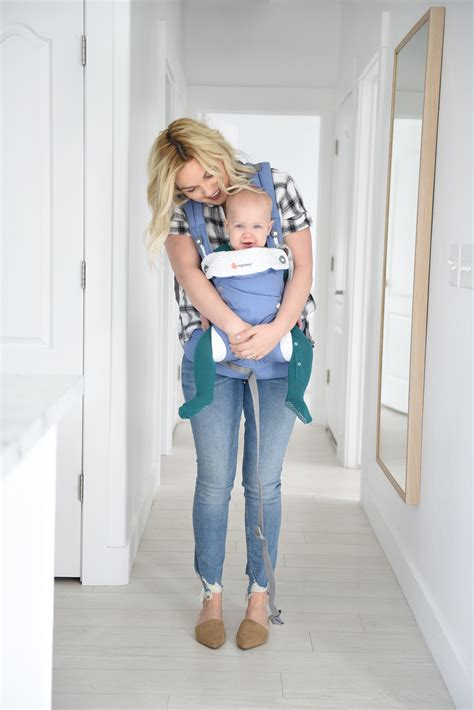 Ergo Baby Carrier 360 La Giraffe traveling with baby small fry