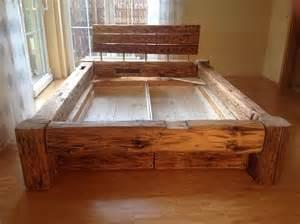 bank aus altem bett das will ich auch bett aus alten holzbalken m 246 bel deko
