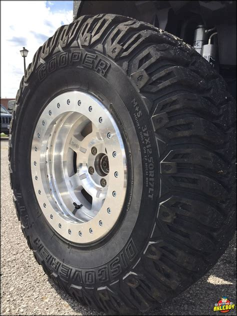 tire coming  rim    ford cars